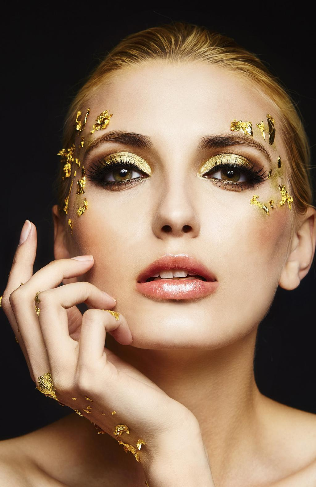 SKIN REJUVENATION ELIXIR SIGNATURE 24-CARAT FACIAL A skin brightening treatment by Carol Joy London using 24K Gold and Golden Millet Oil.